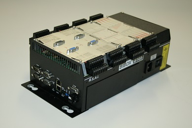 Automate modulaire 4 slots avec contrôleur d'axes